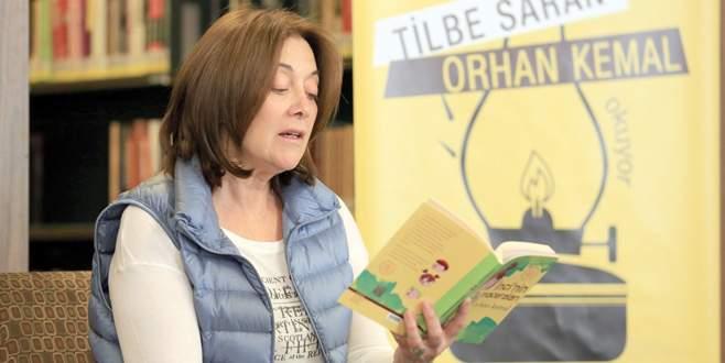 Kıvanç'ın annesi Bursa'da kitap okudu