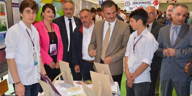 Gemlik'te 4006 TÜBİTAK Bilim Fuarı açıldı