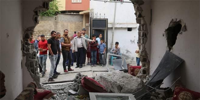 Silopi'de polis aracı eve çarptı: 2 ölü