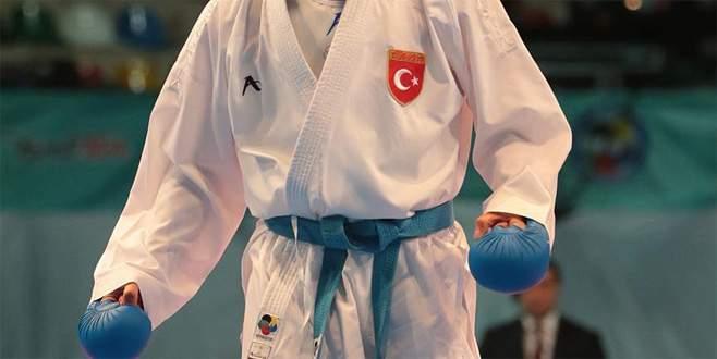 Karatede altın madalya