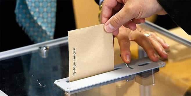 Fransa'da halk cumhurbaşkanı seçimi için sandık başında