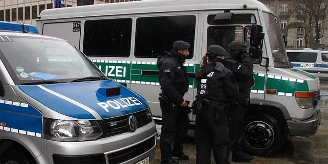 Almanya'da 50 bin kişi tahliye ediliyor