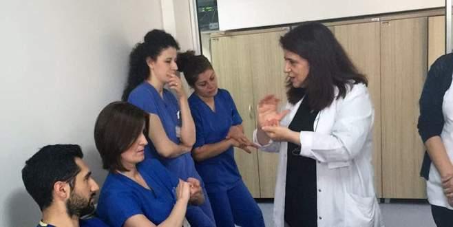 Hastane çalışanlarına el hijyeni eğitimi