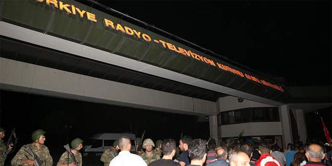 Darbeci komutan TRT baskınını anlattı