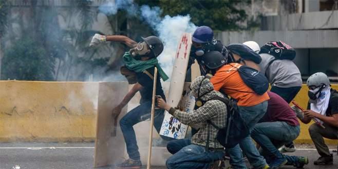 Venezuela'da 'sokak savaşı'