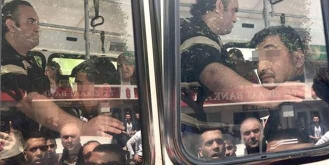 Bebekli kadına otobüste taciz!
