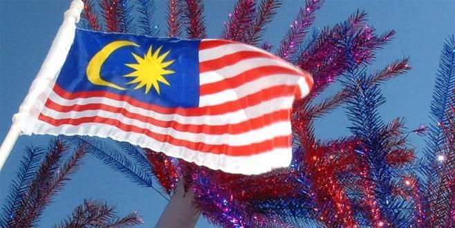 Malezya'da gözaltına alınan FETÖ'cüler Türkiye'ye iade edildi