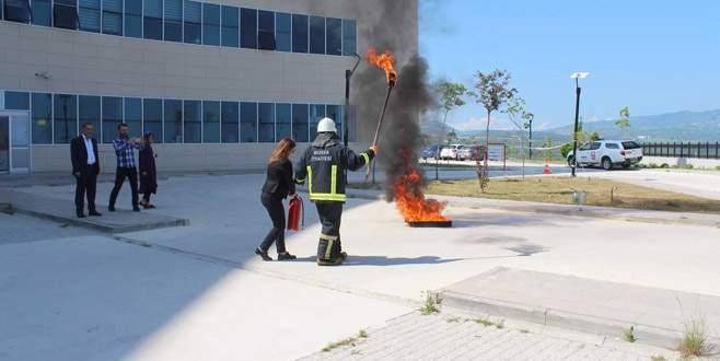 Hastane çalışanlarına yangın eğitimi