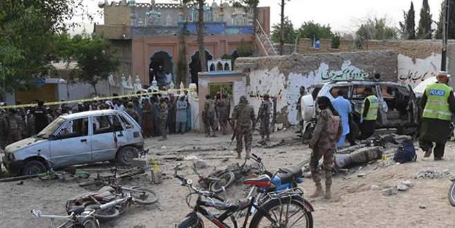 Pakistan'da işçilere silahlı saldırı: 10 ölü