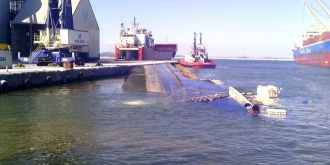 Konteyner gemisi battı
