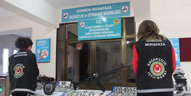 Bursa'da lüks otomobil kaçakçılarının deposuna baskın