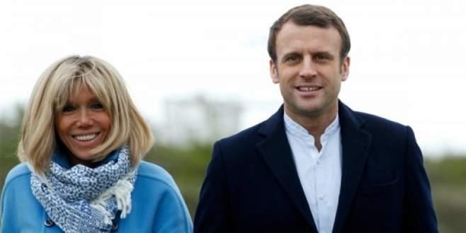 Macron'un çok güzel annesi var