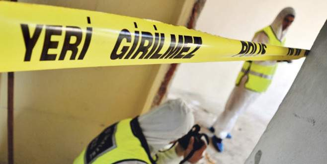 Dehşet! Bir evde 3 kişinin cesedi bulundu
