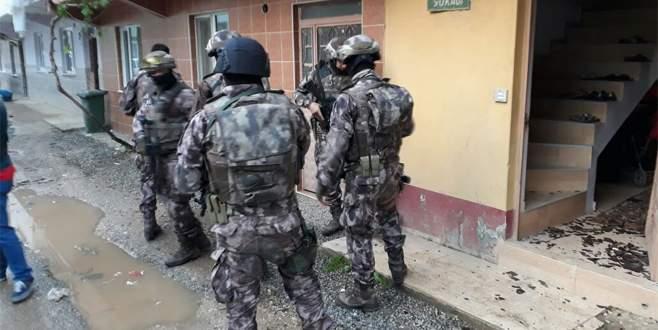 Bursa'da bin polisle uyuşturucu tacirlerine şafak baskını