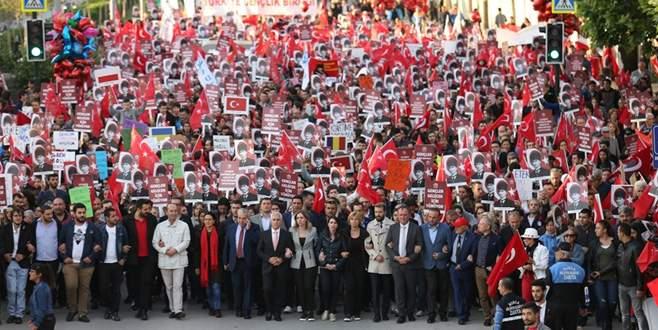FSM Bulvarı'nda çoşkulu yürüyüş