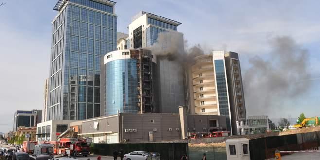 Bursa'da otel inşaatında yangın