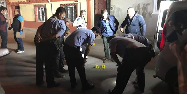 Bursa'da polisle arbedeye giren bir kişi kaza kurşunuyla vuruldu