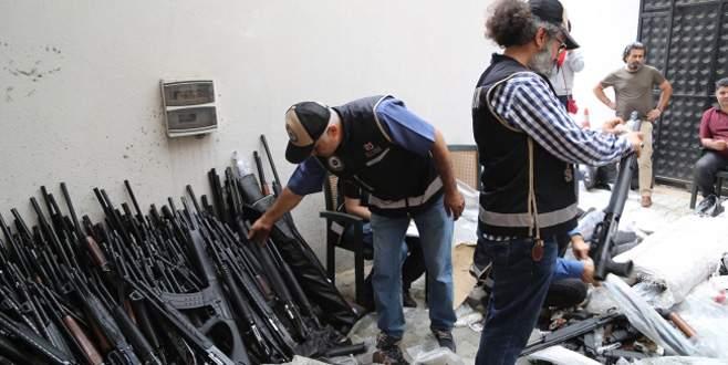 Silah kaçakçılarına son yılların en büyük darbesi