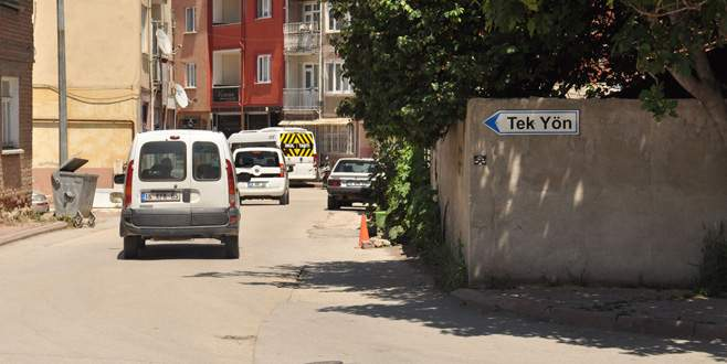 İnegöl'de dar sokaklara tek yön uygulaması