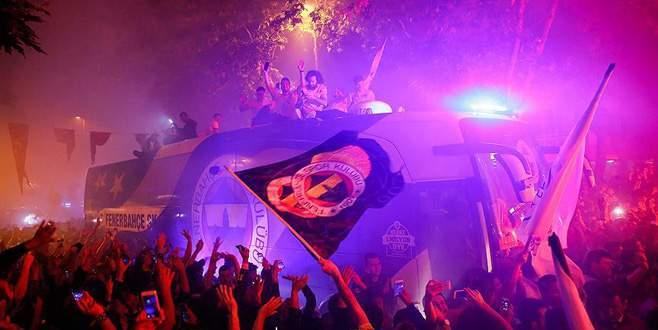 Fenerbahçe THY Avrupa Ligi şampiyonluğunu kutladı