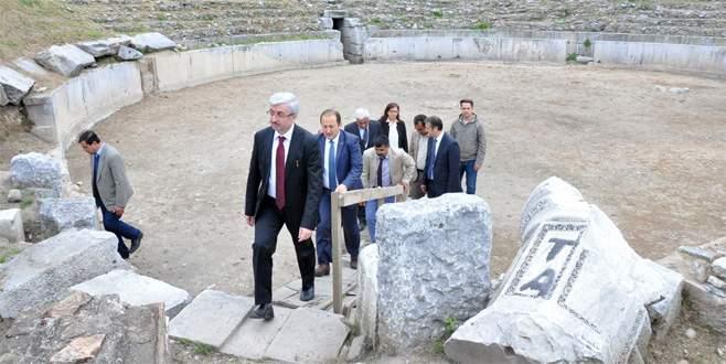 Kayıp Apollon Tapınağı aranıyor