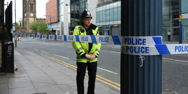 Manchester'da bir AVM boşaltıldı
