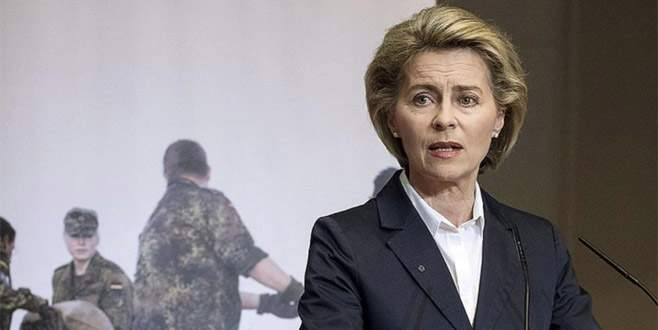 Savunma bakanına 'darbe' iması