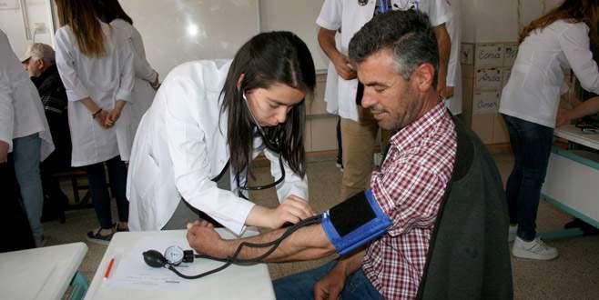 Öğrenci ve doktorlardan köyde sağlık taraması
