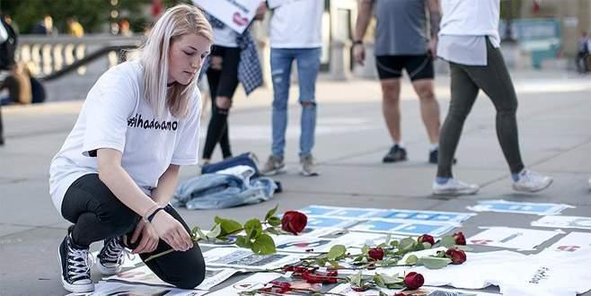 Manchester'daki terör saldırısında hayatını kaybedenler anıldı