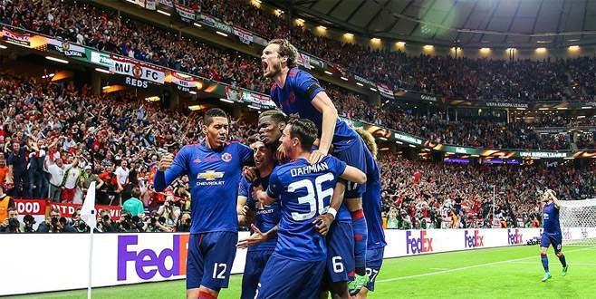 UEFA Avrupa Ligi'nde şampiyon ManU
