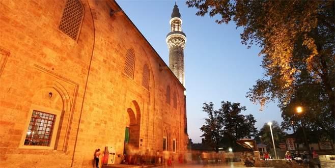 Bursa'da 17 camide hatimle teravih namazı kılınacak