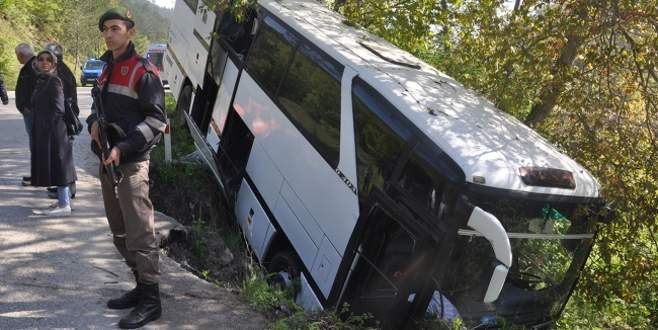 Otobüs dere yatağına düştü: 7 yaralı