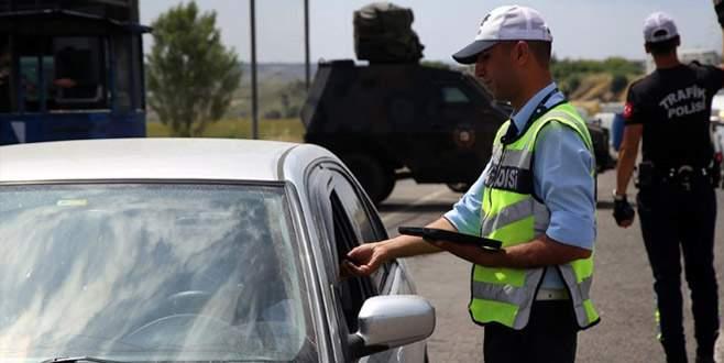 Emniyet ve Jandarma'dan eş zamanlı trafik kontrolü