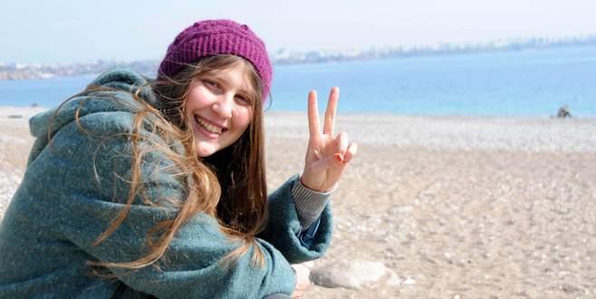 PKK'ya katılan 'Kırmızı fularlı kız' Rakka'daki çatışmada öldü