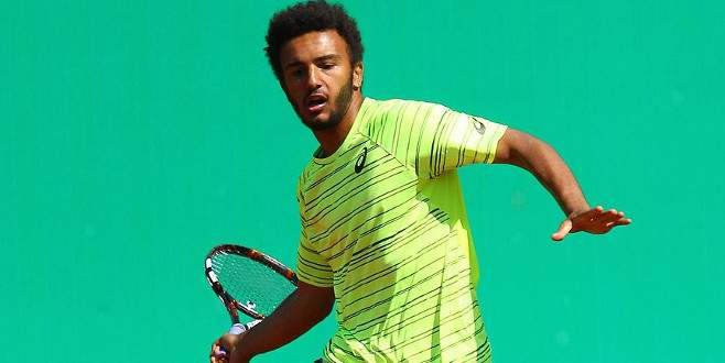 Muhabiri taciz eden tenisçi turnuvadan atıldı