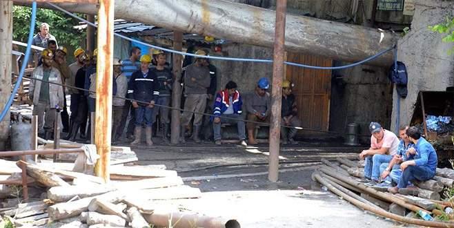 Göçük altında kalan işçinin cenazesine 31 saat sonra ulaşıldı