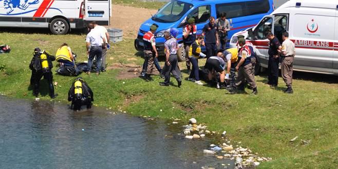 Bursa'da serinlemek için gölete giren iki öğrenci boğuldu
