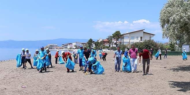 Bursa'da temiz sahil seferberliği