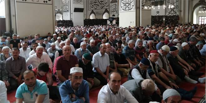 Bursa'da ramazanın ilk cuma namazı