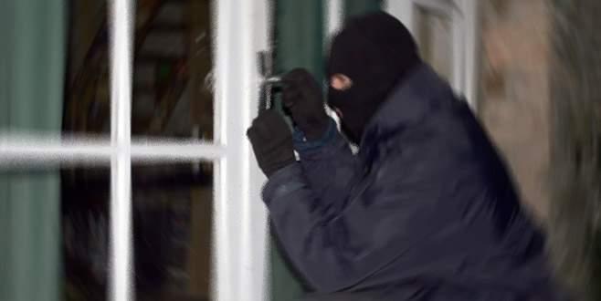 Tatildeyken hırsıza adres göstermeyin