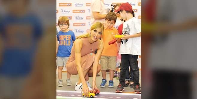 Çocuklarla yarıştı