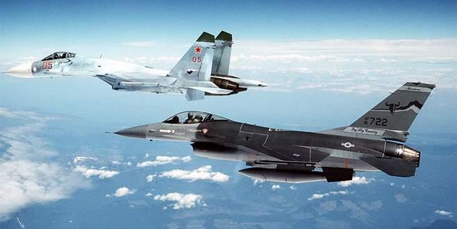 Rus jeti ABD savaş uçağı için havalandı