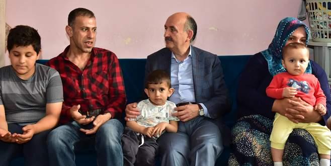 Bakan Müezzinoğlu'ndan çat kapı iftar ziyareti