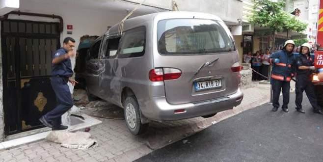 Minibüsün ezdiği iki çocuk hayatını kaybetti