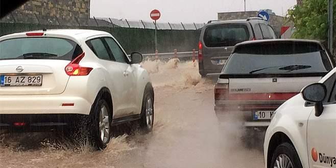 Bursa'da kuvvetli sağanak yağış