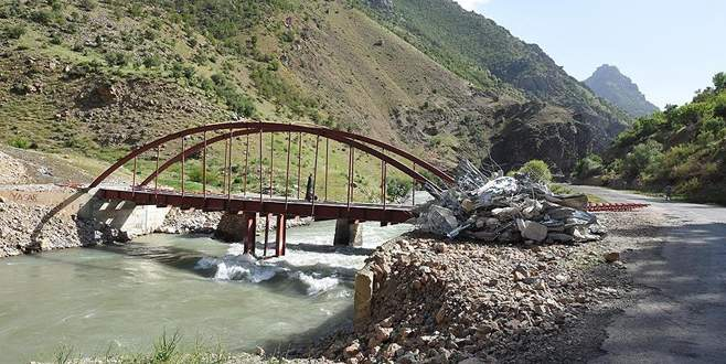 DBP'li belediye PKK'lı teröristler için köprü yaptırmış