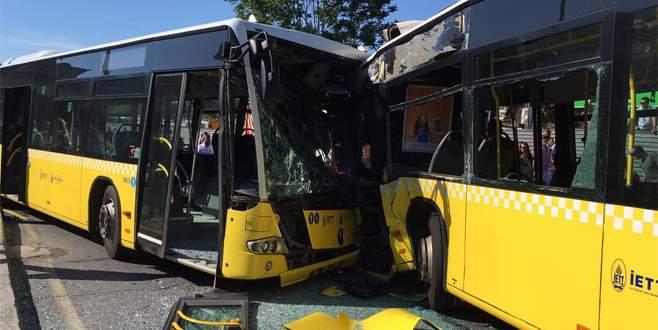 İki metrobüs kafa kafaya çarpıştı: Yaralılar var