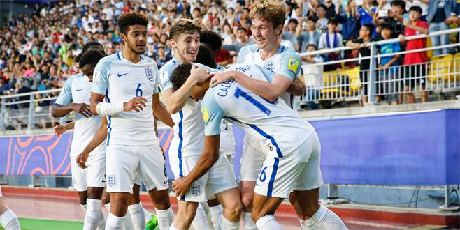 İngiltere U20'de tarih yazdı