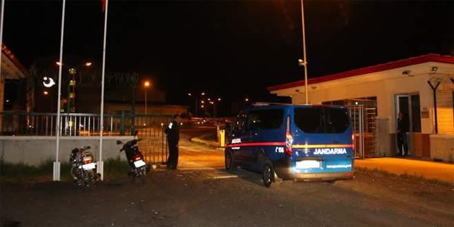 Geri gönderme merkezinden firar eden 15 kaçak yakalandı