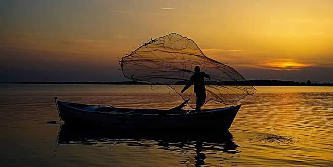 Güneş ve suyun kucaklaştığı yer Gölyazı